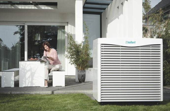 //www.vaillant.be/media-master/global-media/vaillant/communication-portfolio/heat-pumps/hp11-3526-00-1-601138-format-flex-height@690@desktop.jpg
