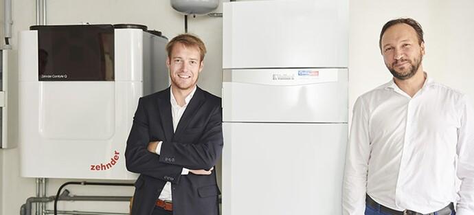 Vaillant-vertegenwoordiger Dries Beernaert (links) en installateur Vincent Vanderheyde